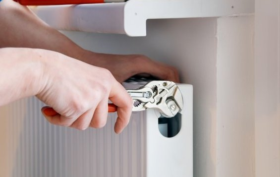 cambiare acqua nel termosifone