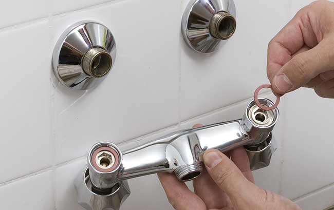 come-smontare-un-rubinetto-a-muro-6
