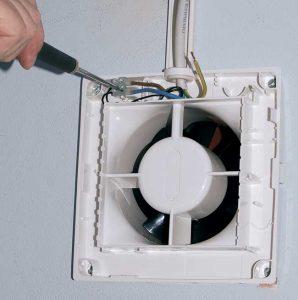 come installare un aspiratore da bagno2